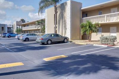 North Palm Beach Condo For Sale: 415 Us Highway 1 #105