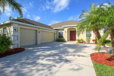 Jensen Beach Single Family Home For Sale: 438 NW Sunflower Place