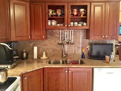 Delray Beach Townhouse Contingent: 15960 Forsythia Circle