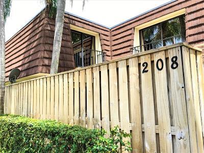 Palm Beach Gardens Townhouse Contingent: 208 2nd Lane