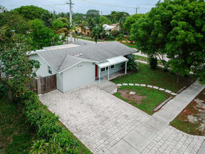 Deerfield Beach Single Family Home For Sale: 581 SE 2nd Street