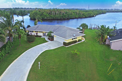 Port Saint Lucie Single Family Home For Sale: 1267 SE Coral Reef Street
