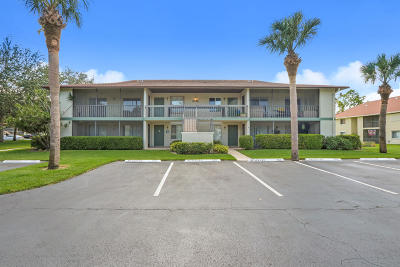 Jupiter Condo Contingent: 6458 Chasewood Drive #G