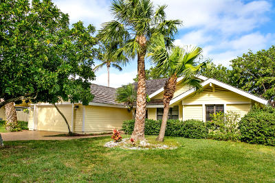 Hobe Sound Single Family Home For Sale: 10420 SE Jupiter Narrows Drive