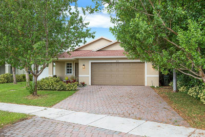 Delray Beach Single Family Home For Sale: 422 Lucky Lane