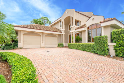 Loxahatchee Club At Maplewood 1 Ph 2, Loxahatchee Club At Maplewood 3 Ph 2, Loxahatchee Club At Maplewood 6 Ph 2, Loxahatchee Club At Maplewood 8 Ph 2, Loxahatchee Club At Maplewood Pl 4 Ph 2, The Loxahatchee Club Single Family Home For Sale: 210 Chinook Lane