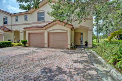 Coral Springs Townhouse For Sale: 2565 Riverside Drive #2565