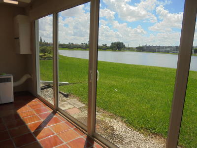 Boca Raton Condo For Sale: 1067 Exeter D