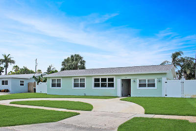 North Palm Beach Single Family Home For Sale: 424 Ebbtide Drive