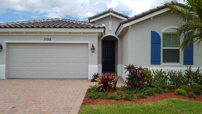 Indian River County Single Family Home For Sale: 1798 Berkshire Circle SW