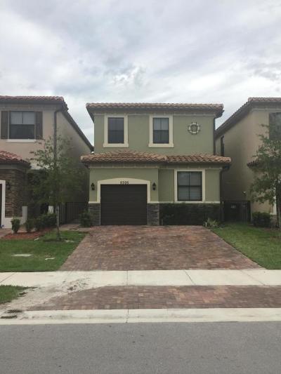 Tamarac Single Family Home For Sale: 5705 NW 47th Avenue