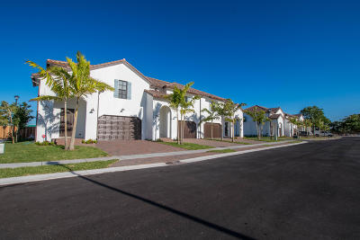 Greenacres Townhouse For Sale: 3187 Santa Catalina Place
