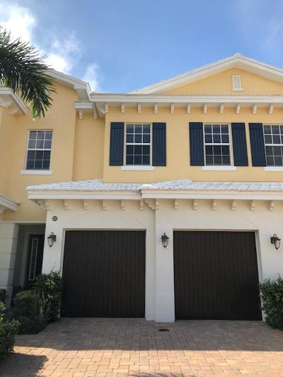 North Palm Beach Condo For Sale: 225 Mariner Court #2