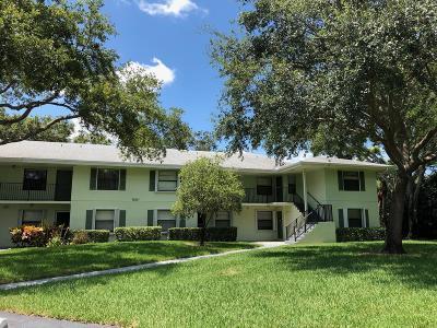 Palm Beach Gardens Condo For Sale: 1201 Sabal Ridge Circle #G