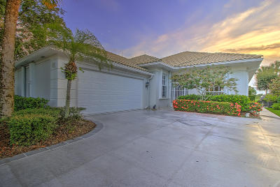 Hobe Sound Single Family Home Contingent: 8057 SE Double Tree Drive