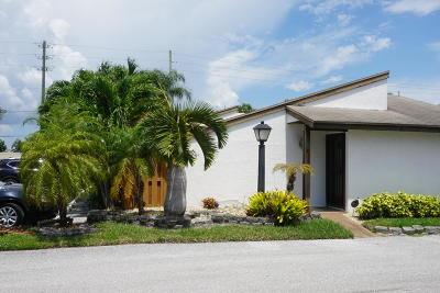 West Palm Beach Single Family Home For Sale: 4978 Alder Drive #C