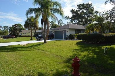 Sebastian Single Family Home For Sale: 655 Sembler Street