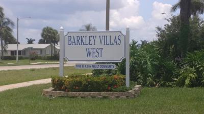 West Palm Beach Single Family Home For Sale: 2531 Barkley Drive W #E