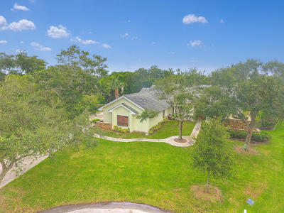 Tequesta Single Family Home Contingent: 9930 SE Mahogany Way