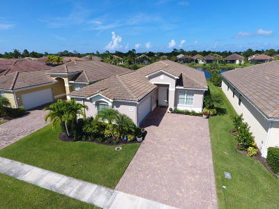 Jensen Beach Single Family Home For Sale: 4355 NW Oakbrook Circle