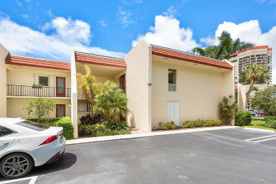 West Palm Beach Condo For Sale: 1723 Consulate Place #203