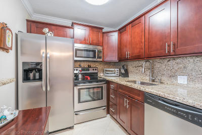 Boca Raton Condo For Sale: 188 Suffolk E