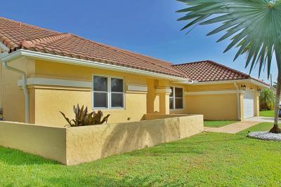Boynton Beach Single Family Home For Sale: 5591 Spring Lake Terrace