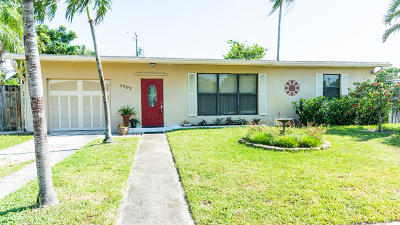 Pompano Beach Single Family Home For Sale: 1701 NE 44th Street