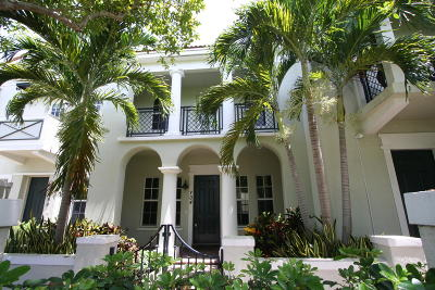 Boca Raton Townhouse For Sale: 704 NW 83rd Place