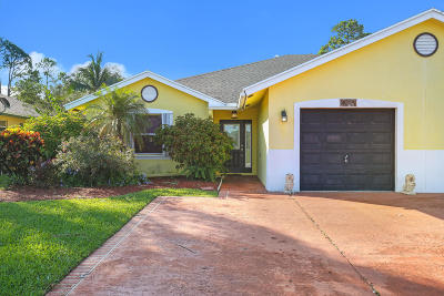 Royal Palm Beach Single Family Home For Sale: 154 Sparrow Drive #A