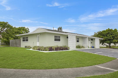 North Palm Beach Multi Family Home Contingent: 714 Hummingbird #E & W