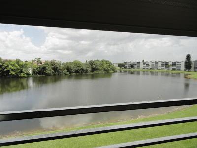Boca Raton Condo Contingent: 3067 Ainslie D