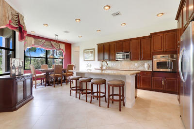 Jensen Beach Single Family Home For Sale: 2990 NW Crystal Lake Drive