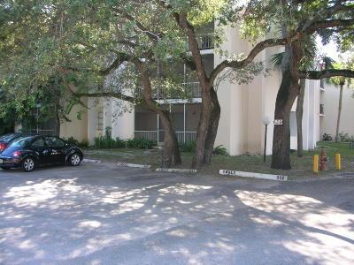 Boca Raton Condo For Sale: 634 NW 13th Street #28