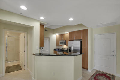 West Palm Beach Condo For Sale: 801 S Olive Avenue #1211