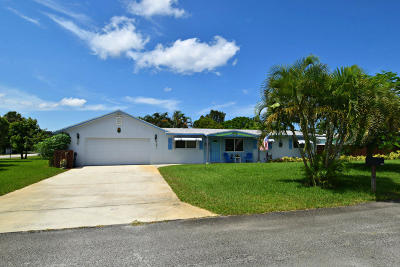Martin County Single Family Home For Sale: 1605 SE 9th Street