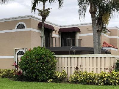Delray Beach Townhouse For Sale: 4065 Village Drive #B