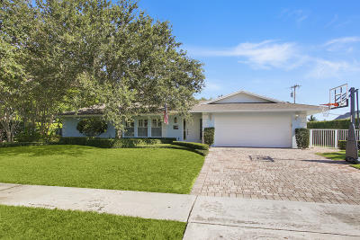 North Palm Beach Single Family Home For Sale: 143 Gulfstream Road