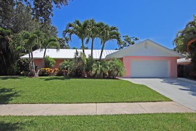 Tequesta Single Family Home For Sale: 15 Pinehill Trail E