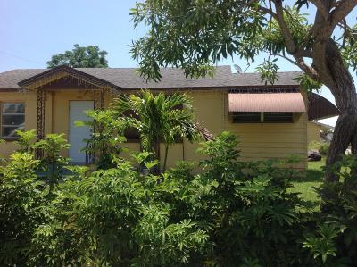 West Palm Beach Single Family Home For Sale: 1216 Loxahatchee Drive