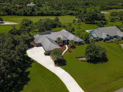 Martin County Single Family Home For Sale: 1594 SW Saint Andrews Drive