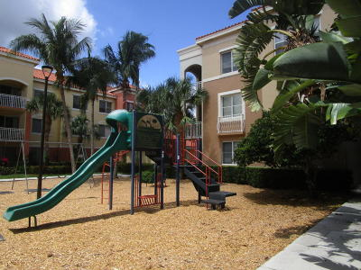 Palm Beach Gardens Condo For Sale: 11028 Legacy Drive #301