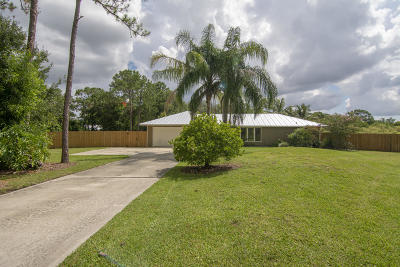 Martin County Single Family Home For Sale: 2094 SW Pitts Terrace