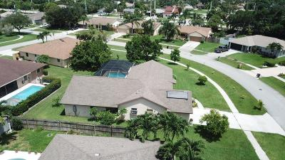 Lake Worth Single Family Home For Sale: 7480 Woodland Creek Lane