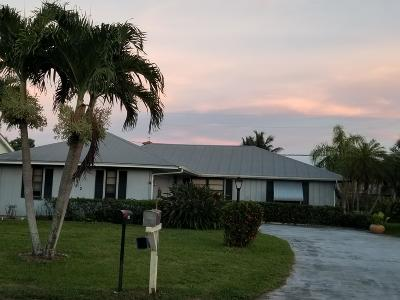 Martin County Single Family Home For Sale: 5452 SE Nassau Terrace