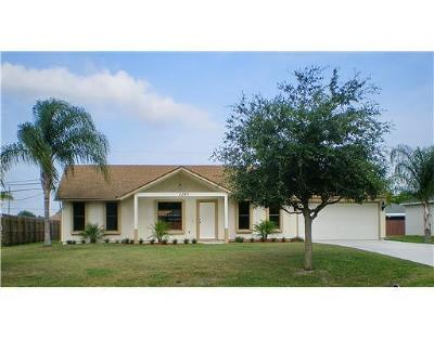 Port Saint Lucie Single Family Home For Sale: 2320 SW Cameo Boulevard