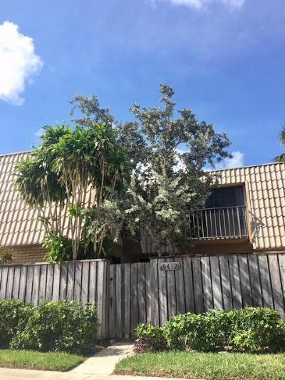 West Palm Beach Townhouse For Sale: 5412 54th Way