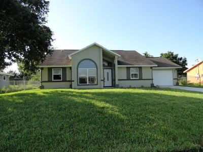 Port Saint Lucie Single Family Home For Sale: 2494 SW Falcon Circle
