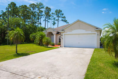 Port Saint Lucie Single Family Home For Sale: 2398 SW Plum Court