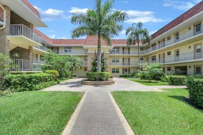 Palm Beach Gardens Condo For Sale: 5580 S Tamberlane Circle #235